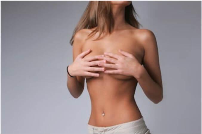 胸ニキビイメージ